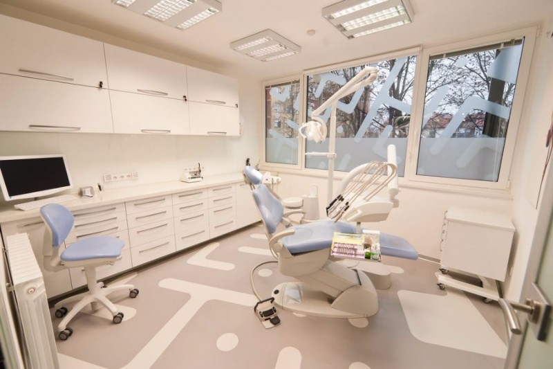 denitsta-sagabria-Dental-policlinic-Identalia-6
