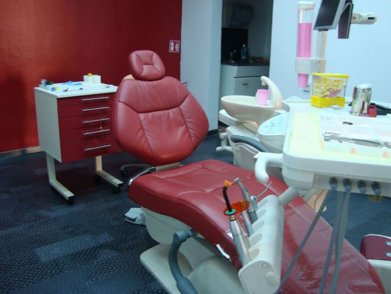 dentisti-fiume-Dr.-Delov-3