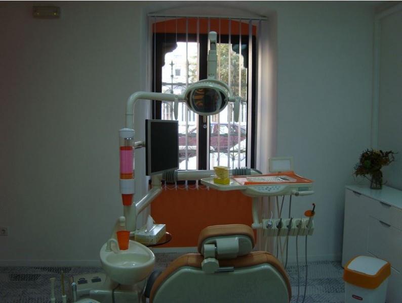 dentisti-fiume-Dr.-Delov-8